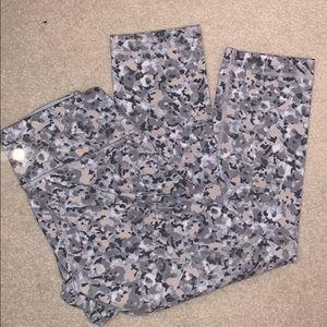 Neutral camo lululemom leggings